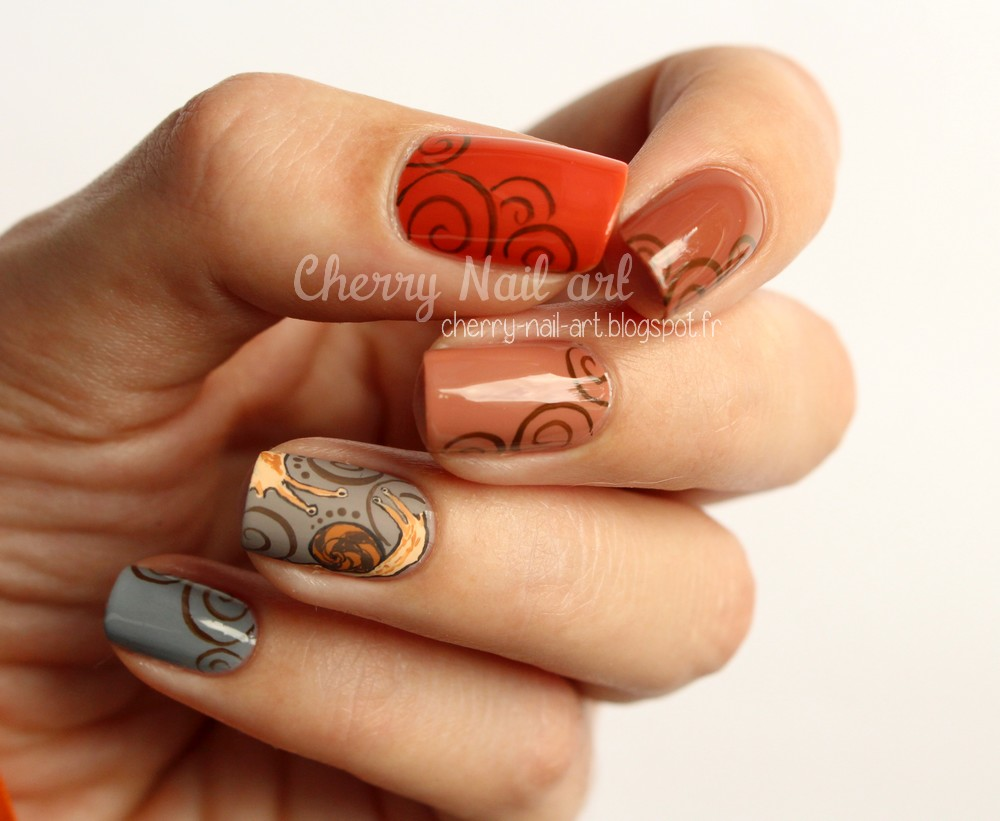 nail art escargot arabesques pour l'automne