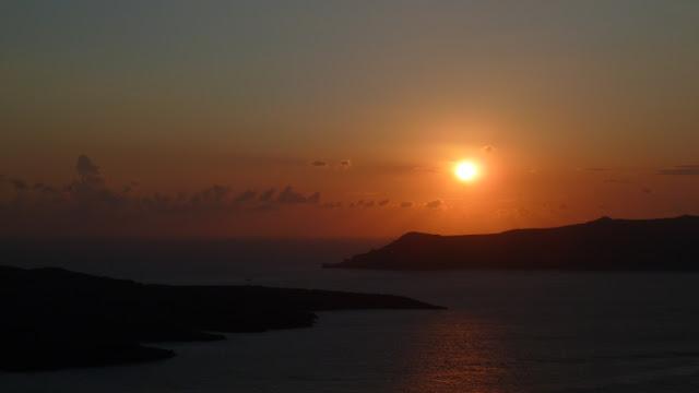 Santorin - coucher de soleil sur la Caldeira