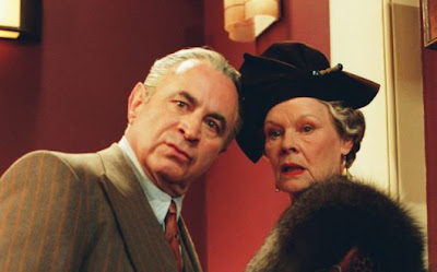 Bob Hoskins and Judi Dench in MRS. HENDERSON PRESENTS
