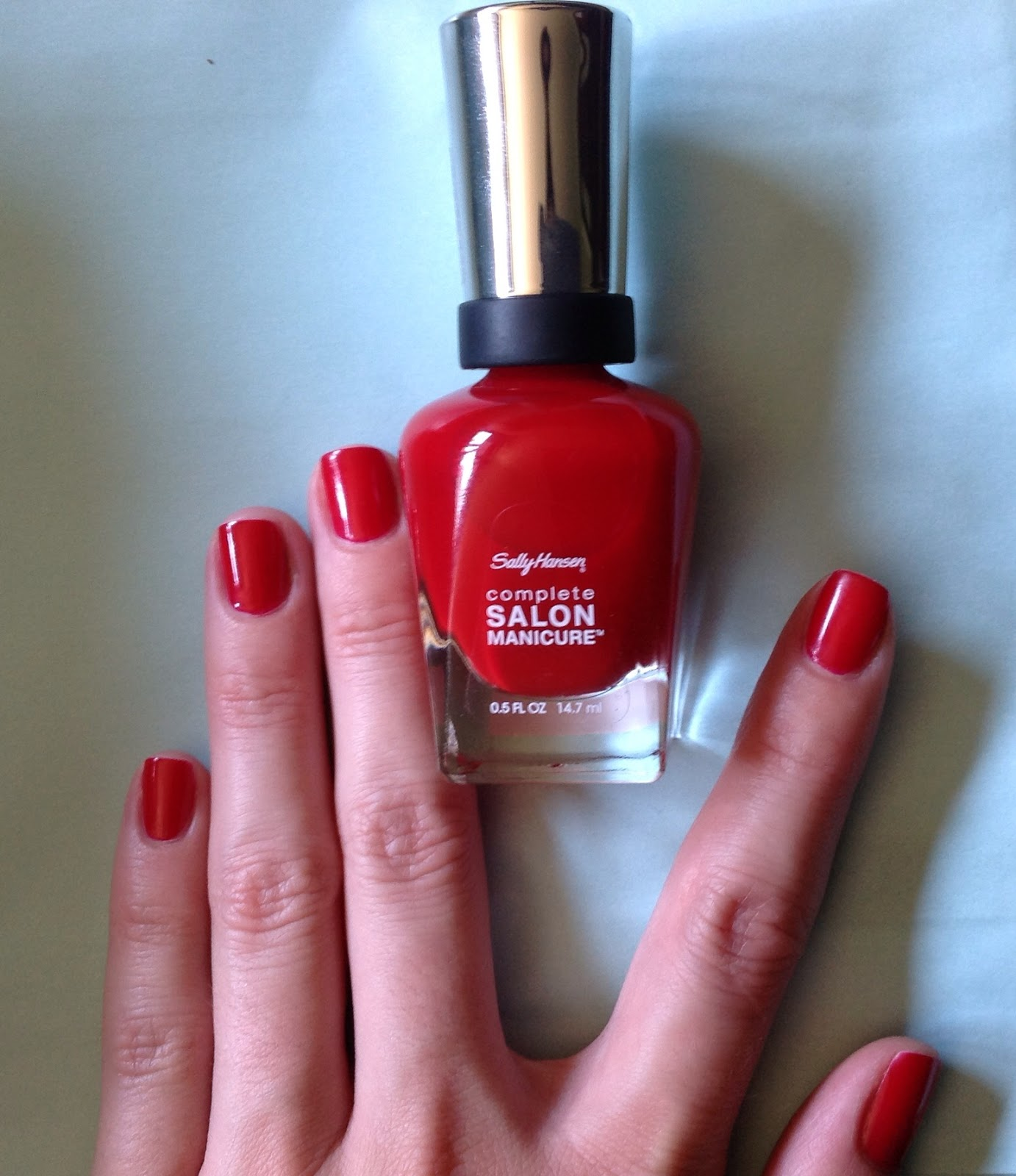 BeautyOnHighHeels: Classic RED nails