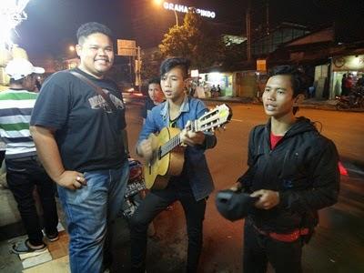 pemuzik jalanan, pemuzik indonesia