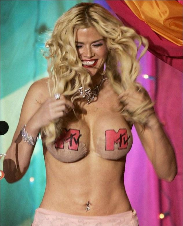 Откровенные фотографии 6. Откровенные фотографии 7. Anna Nicole Smith (А