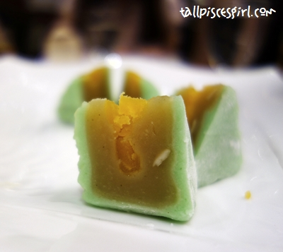 Snow Skin Mooncake with Single Egg Yolk (RM 15.80)