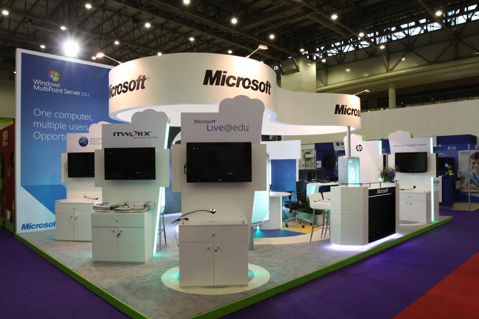 Corner Exhibition Stands Xbox : Chris corner