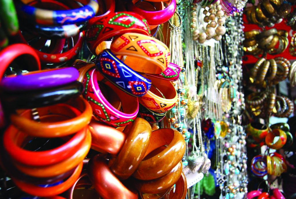 Cheap cosmetic market in mumbai