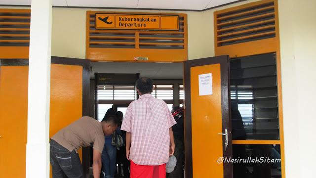 Suasana di Bandara Dewadaru Karimunjawa