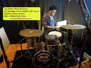 http://www.belajardrumiman.com/p/les-drum.html