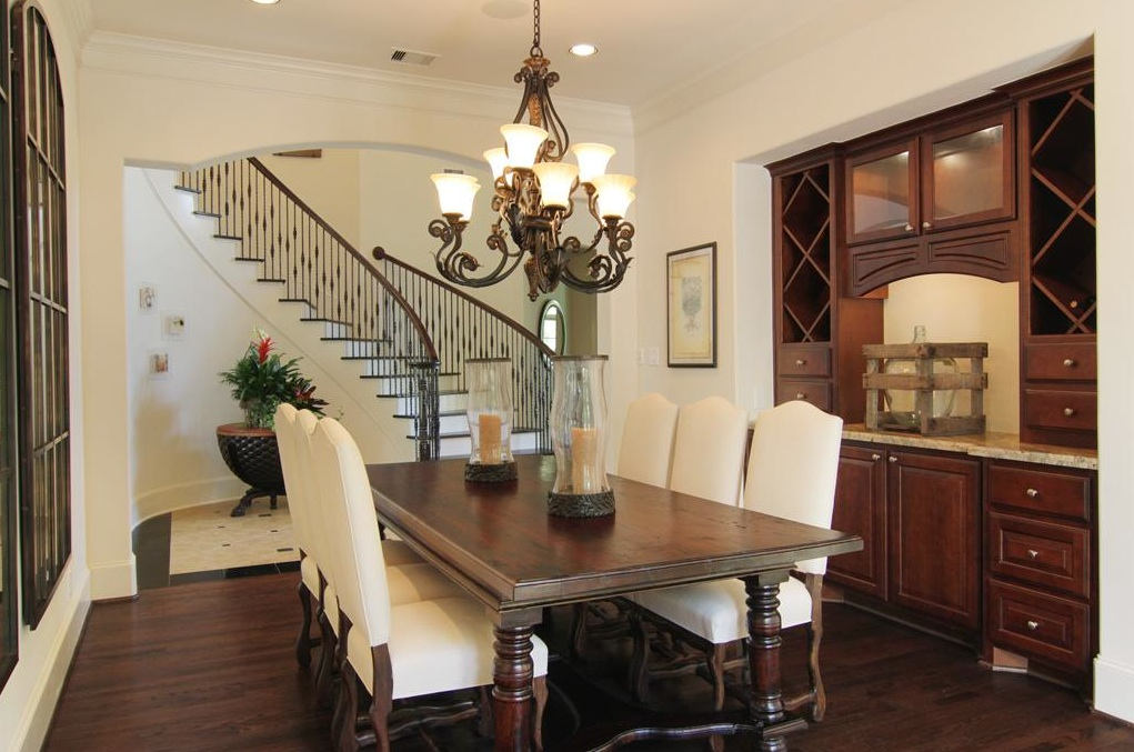 Tuscan Style Light and Bright Tuscan Style Dining Room and
