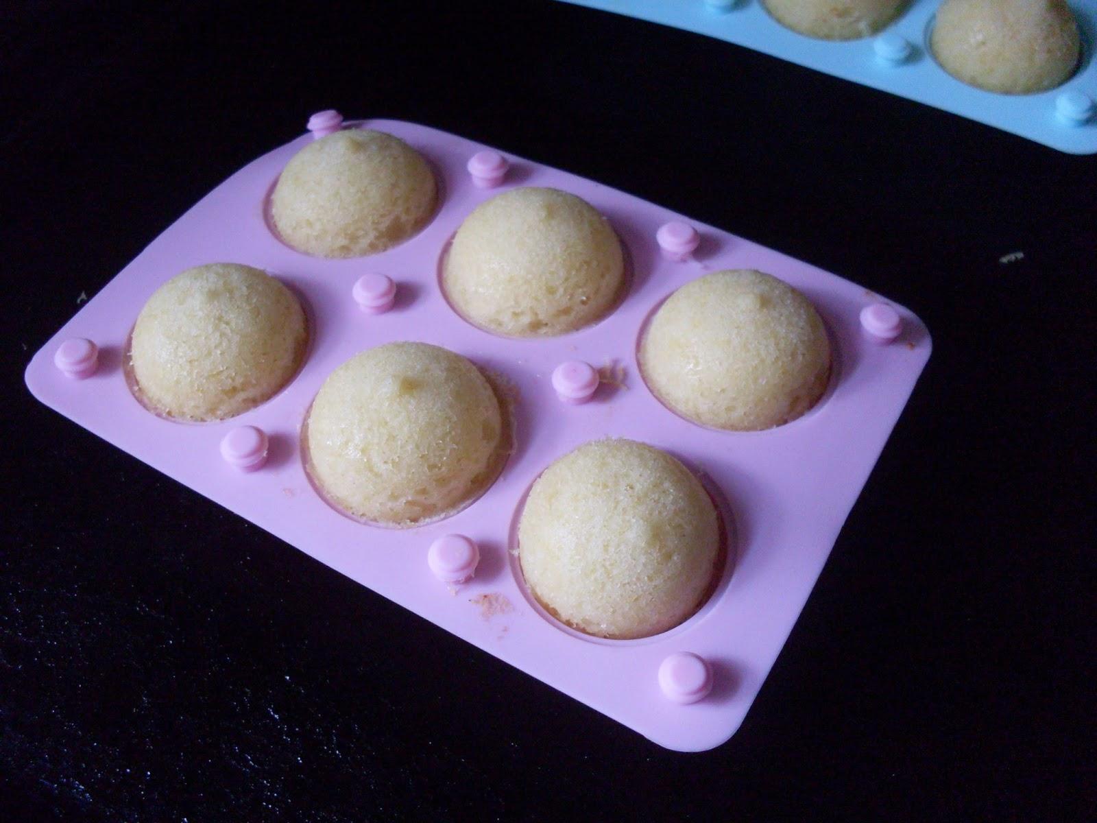 Cake pops baking