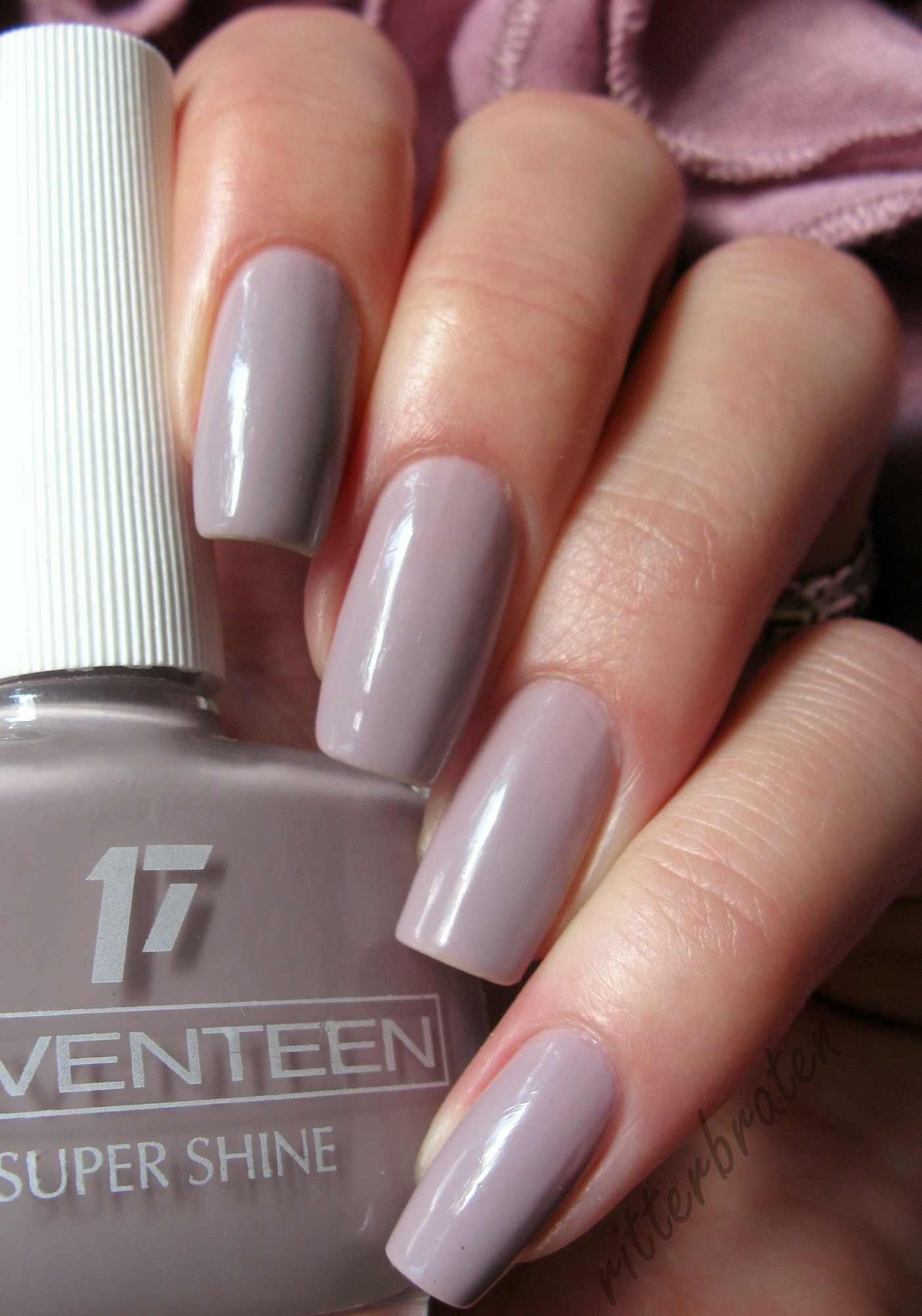 Seventeen 271 swatch nail polish