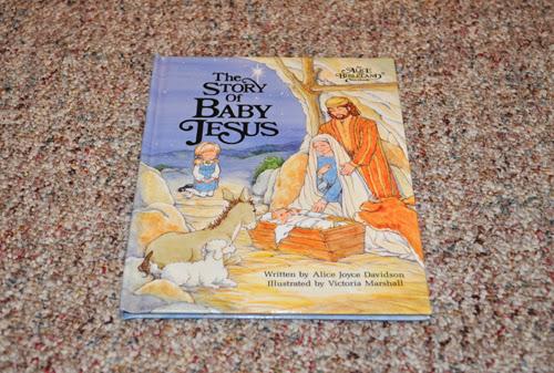 ChristmasBooks_04.jpg