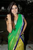 Yamini bhaskar glamorous photos-thumbnail-8