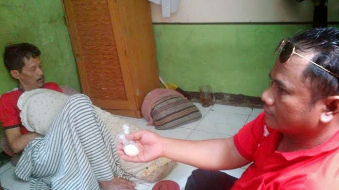 scene, a grandfather Indonesian origin can spawn