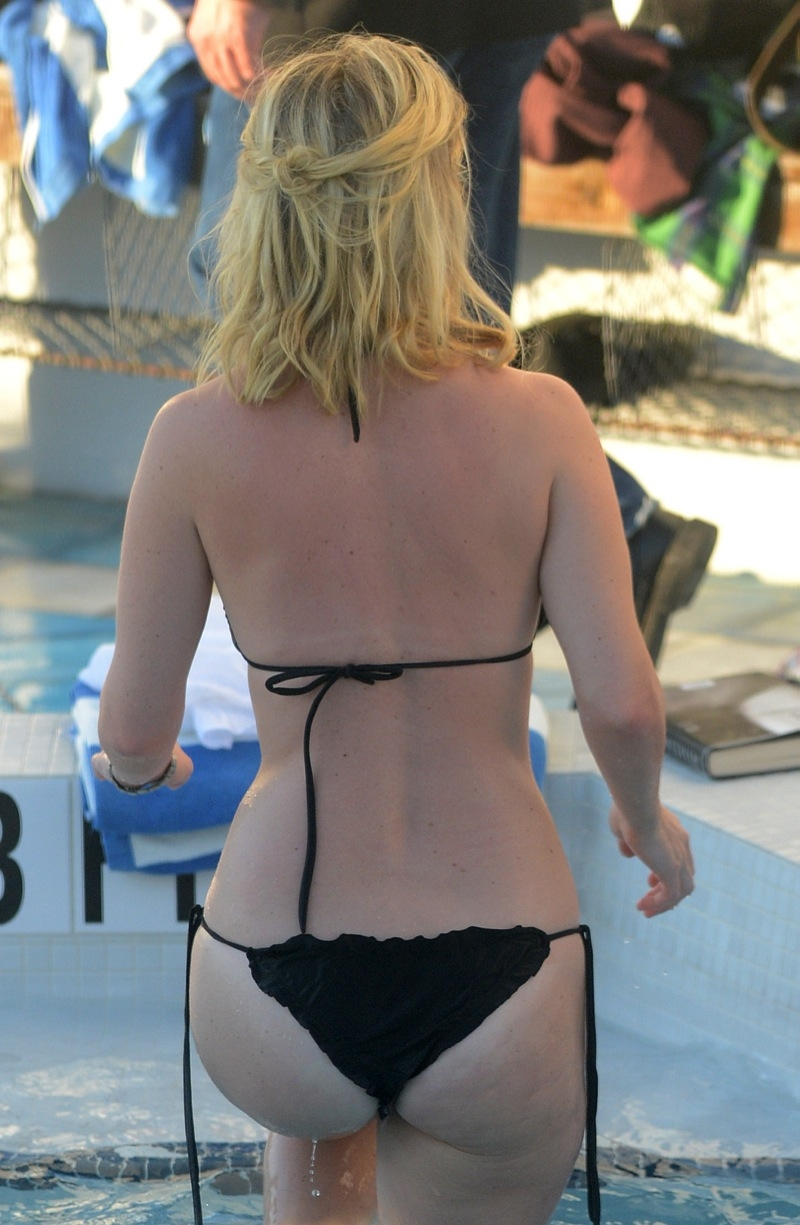 Alice eve bikini can not