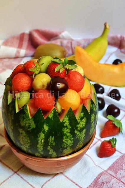 hiperica_lady_boheme_blog_di_cucina_ricette_gustose_facili_dessert_anguria_ripiena_di_frutta_1