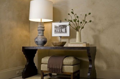 console table, vignette, V line of design