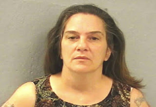 Mulher chama polícia após comprar crack e receber açúcar de traficante
