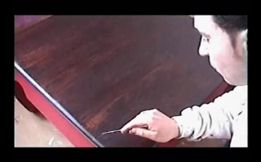 C mo decapar y pintar una mesa h galo usted mismo ideas - Pintar una mesa de madera ...