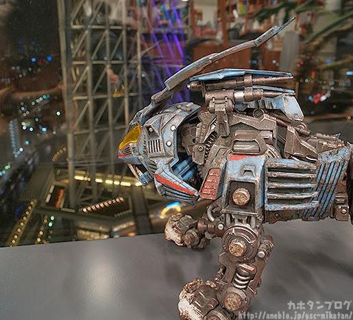 a day in a zoider's world: threezero zoids 30th anniversary shield liger
