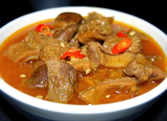 Pha Lau - Popular Vietnamese Street Food