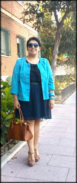 Color de chaqueta para vestido azul
