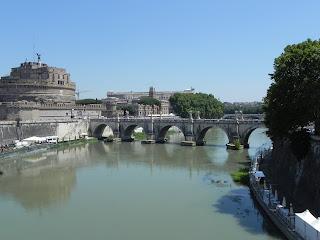 Rio Tivere e Castelo Sant'Angelo