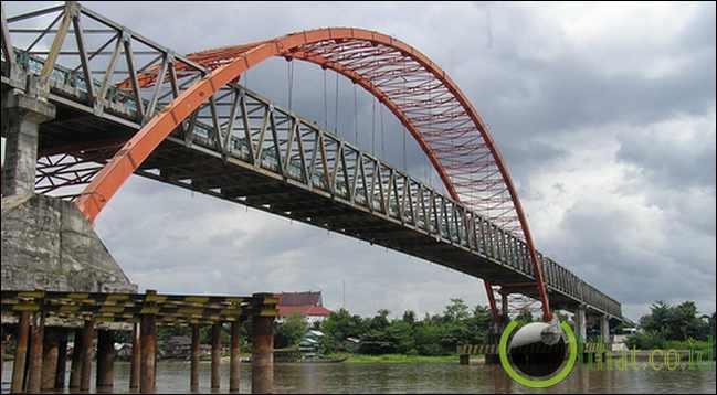 Jembatan Kahayan (640 Meter)