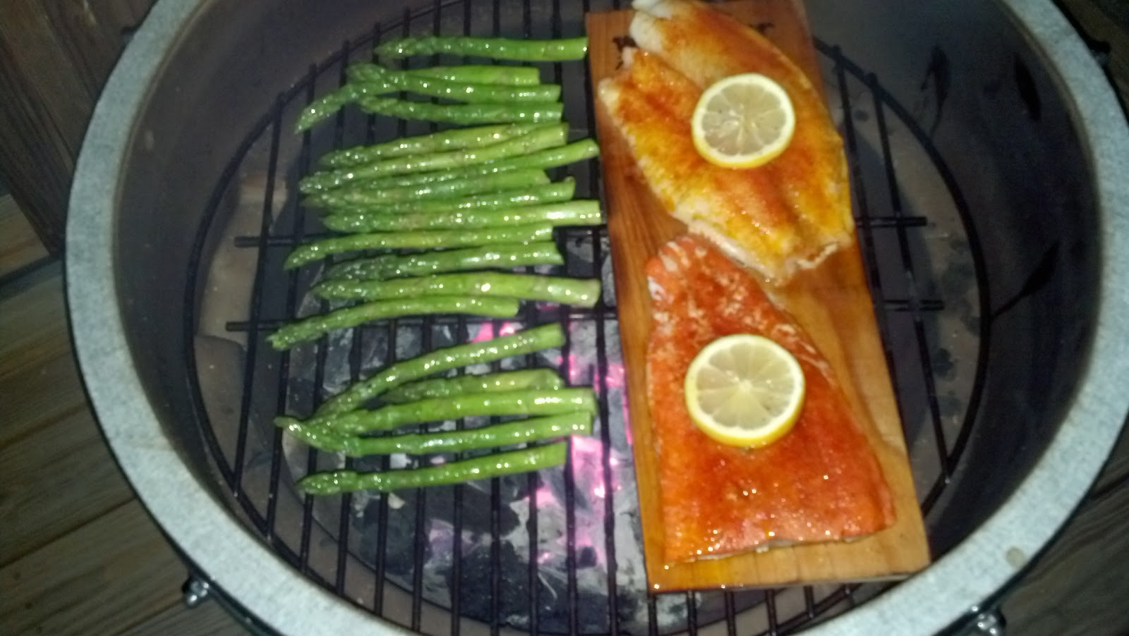 10 Tips for Using a Big Green Egg - Barbecuebible.com