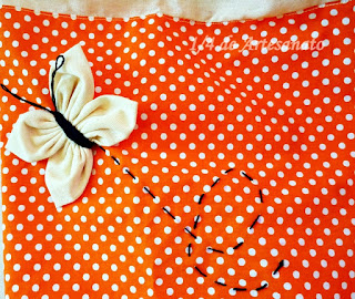 puxa saco de tecido com borboleta de fuxico
