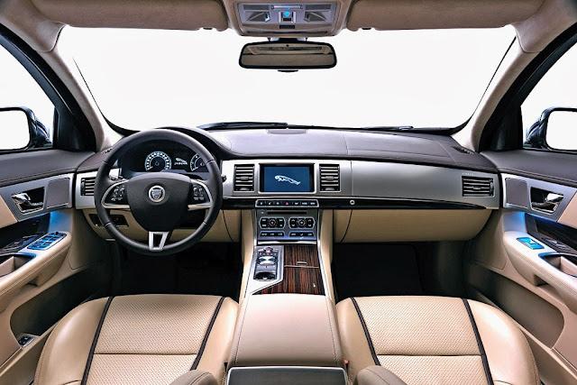 Jaguar XFR Sportbrake Interior Photos