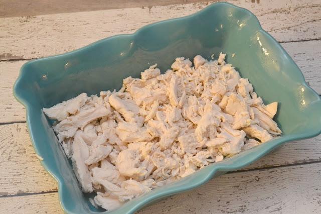 Chicken Cordon Bleu Casserole Recipe, one dish meals, easy casseroles, chicken casserole recipes, chicken casseroles, ham casseroles, family friendly casseroles, one dish meals for families, chicken cordon bleu recipes