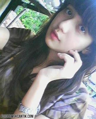 Gambar Foto Gadis ABG Cantik Telanjang +18