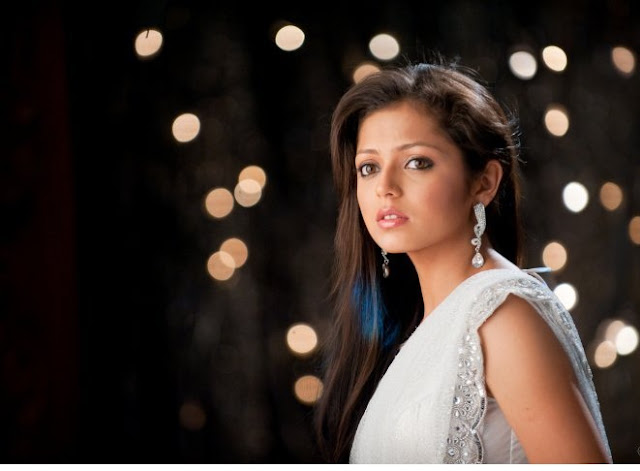 Drashti Dhami HD Wallpaper