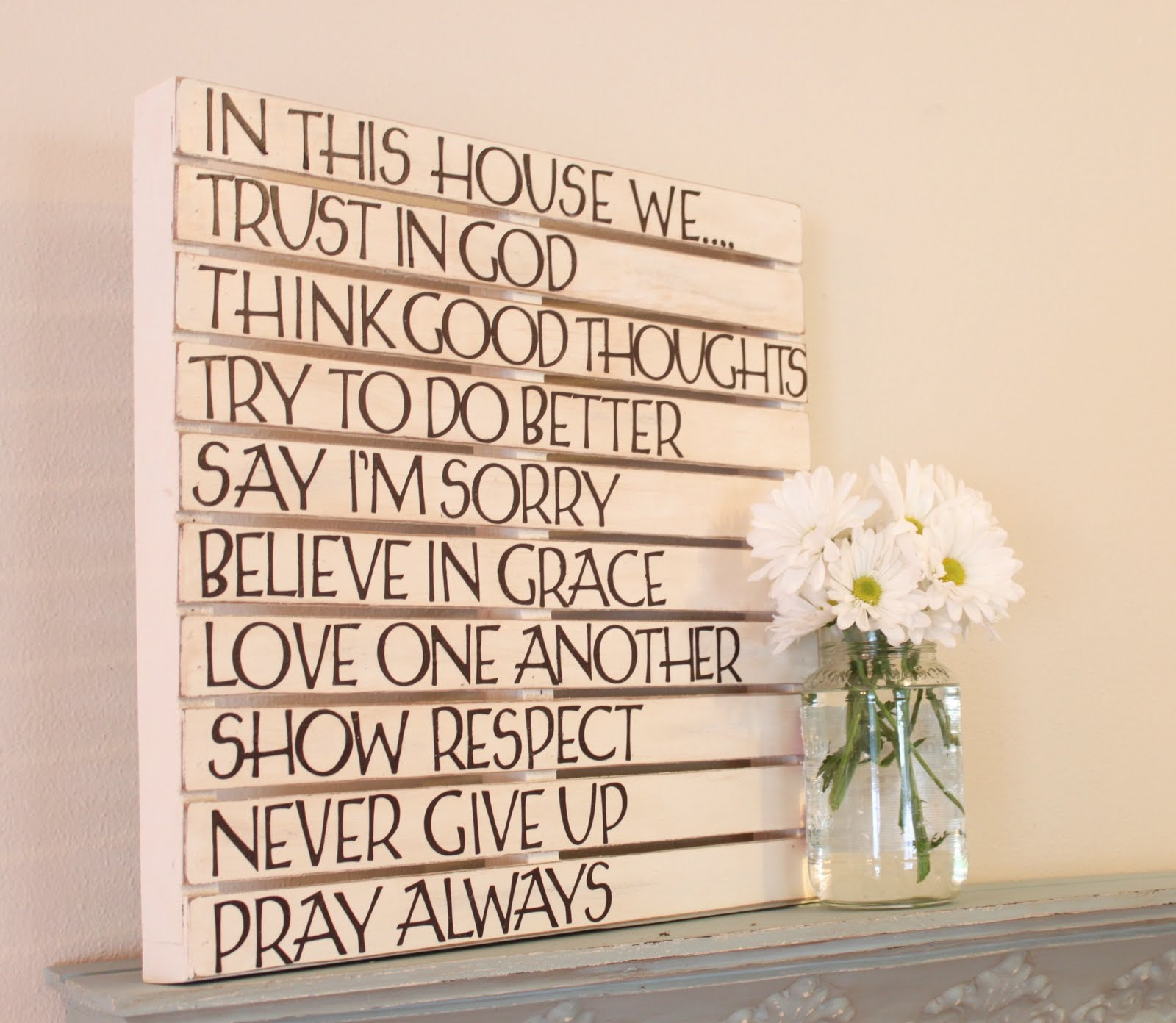 Diy pallet wall art love of family home for Home decor quotes signs