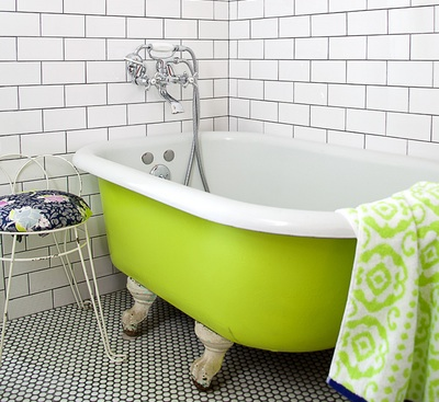 Painted clawfoot tubs life unstyled - Painted clawfoot tub exterior pict ...