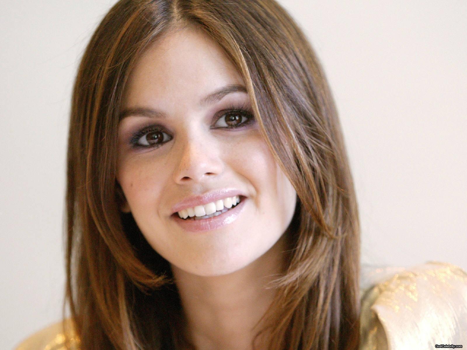 http://3.bp.blogspot.com/-iuNLv8bTZvk/TbQmj6-dMrI/AAAAAAAAAGI/IYVshrvRJl0/s1600/Rachel%2BBilson.jpg