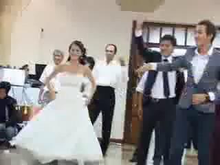 ТАНЕЦ СЮРПРИЗ НА СВАДЬБЕ (видео)
