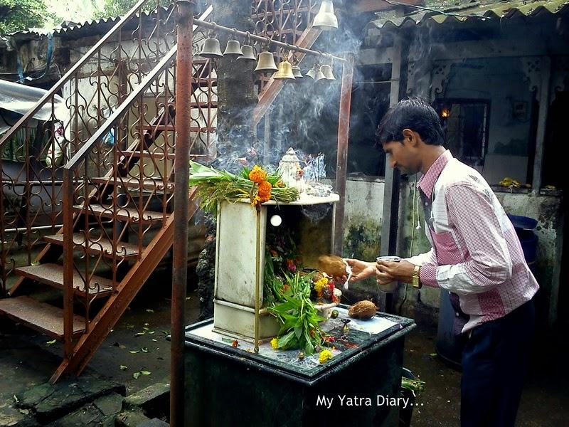 Lord Shiv Temple at Shri Swayumbhu Siddhivinayaka Ganesh Temple, Vazira Naka in Borivli