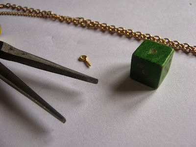 Dice Necklace Instructions