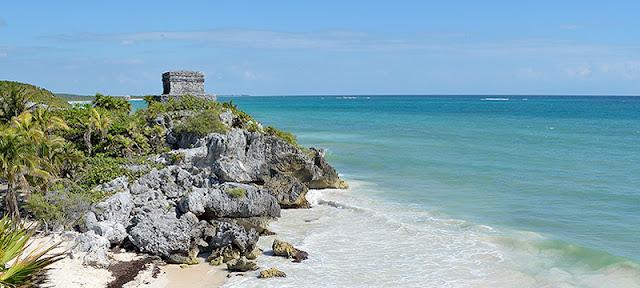 Les ruines de Tulum surplombant la mer