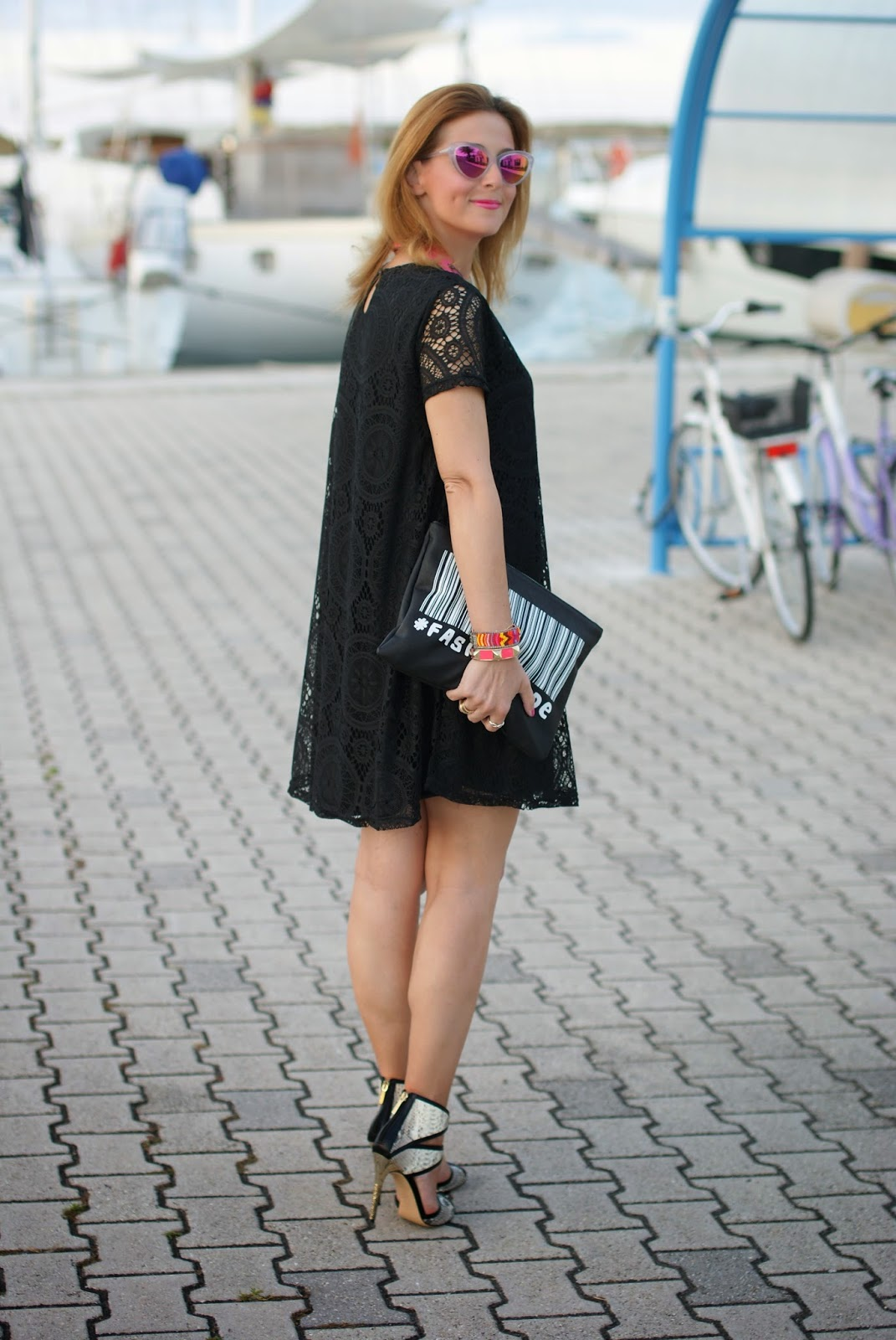 Essequadro eyewear, Fato creazioni, Blackfive lace dress, Roberto Botticelli sandals, pink sunglasses, Zara urban code clutch, Fashion and Cookies, fashion blogger