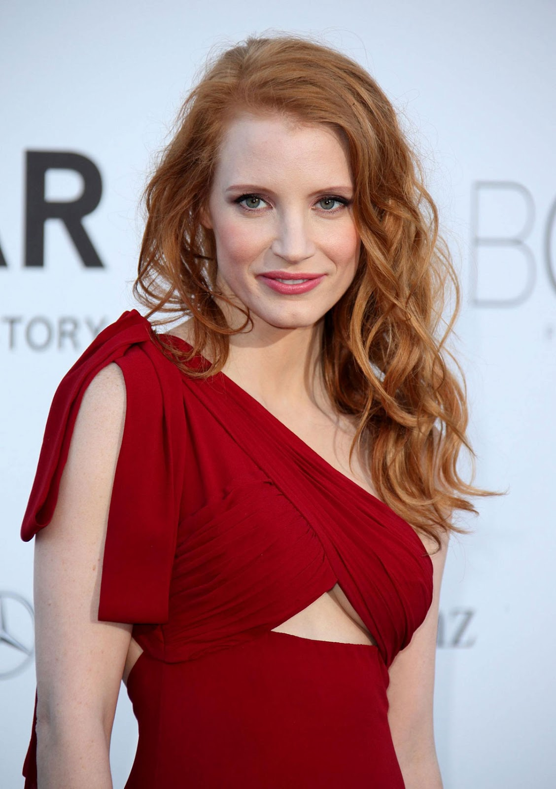JESSICA-CHASTAIN-at-amfAR's-20th-Cinema-Against-AIDS-Event-in-Cannes-3.jpg (1128×1600)