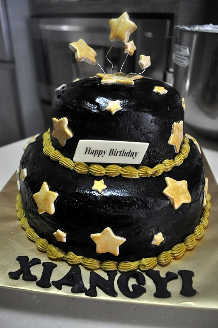 Black And Gold Theme Birthday Cake