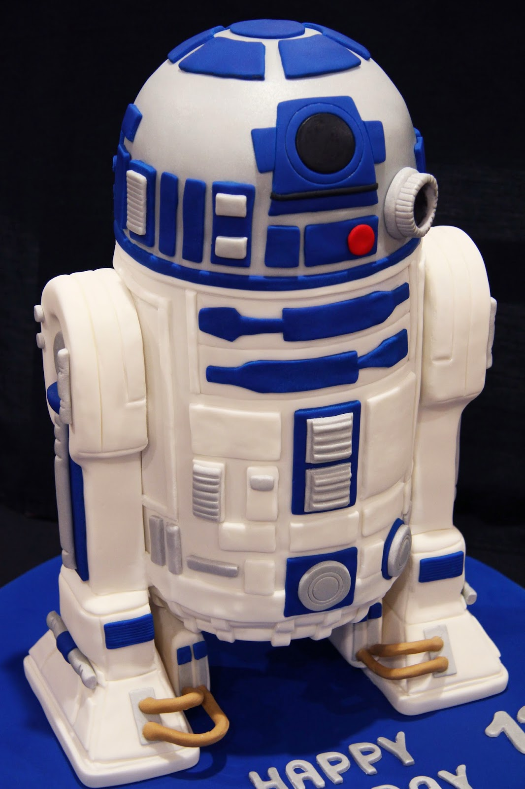 Leonies Cakes And Parties Star Wars Party R2d2 Cake