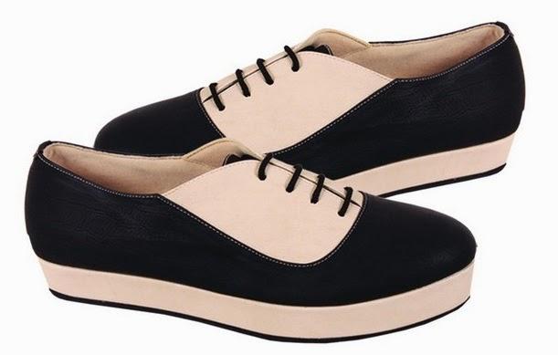 Sepatu Wedges Hitam Cream CBR Six