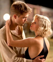 Robert Pattinson e Reese Witherspoon