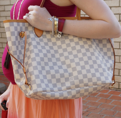 Damier Azur MM Neverfull tote worn on arm baby bump belly