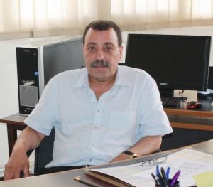 Monsieur le Doyen de la Faculté de Médecine de Constantine Pr BOUZITOUNA MAHDJOUB dans son bureau à la Faculté de Médecine.