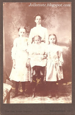 Minnie, Pearl, Floral, and Leota Sullivan about 1901