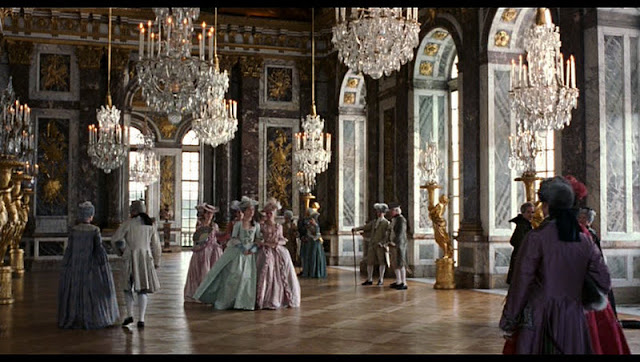 passatoie per corridoi classici : Passatoie Per Corridoi Bianca E Nera : Marie Antoinette behind the ...